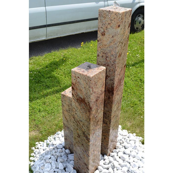 granit gartenbrunnen 3 s ulen saudade zeitloser naturstein in perfektion. Black Bedroom Furniture Sets. Home Design Ideas